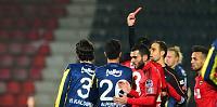 Fenerbahçe Zirveyi Kaptırdı-1449441836716.jpg